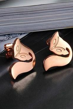 Small Xianhu titanium steel Ms. earrings GE626